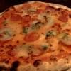 Pizza mit Peperoni-Salami & Gorgonzola / klein