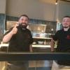 Die Pizzaioli, links der Pizzaweltmeister