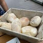 Foto zu Relax Café - Lounge - Restaurant: 9.8.20 Brot zum Antipasti-Teller