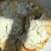 Lachs-Pfannkuchen, gefüllt mit Räucherlachs, Sour Cream, feine Apfelscheiben, Lauchzwiebeln und etwas Sahne-Meerrettich.