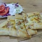 Foto zu Bosporus Döner: PIDE Nr 16 mit kleinem Salat