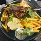 Foto zu Restaurant Fachwerk: Rumpsteak mit Pommes