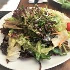 Foto zu Eau de Cologne: Beilage Salatteller
