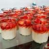 Griesflammerie mit Erdbeeren
