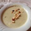Bärlauch-Creme mit gerösteten Weißbrot-Würfel