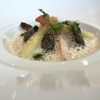 Bretonischer Hummer mit Erbsen, Spargel und glasierten Frühlingsmorcheln
