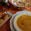 Kürbissuppe, Haselnussbrot und Kürbis-Tarte