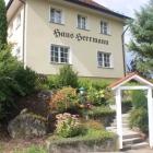 Foto zu Gaststätte Haus Herrmann: Haus Herrmann in Fornsbach