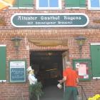 Foto zu Landgasthaus zur Linde im Hotel Middelhagen: Ältester Gasthof Rügens! Ein Foto aus unserem Rügenurlaub 2008!