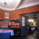 Foto zu Gasthaus im Hotel Zur Henne: Das roZimmer, links steht morgens das Frühstücksbüffet