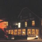 Foto zu Gourmetrestaurant Zur Post: Post bei Nacht