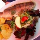 Foto zu Steilküste · Fischgaststätte: Zander mit Salzkartoffeln