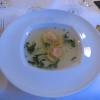 Rinderkraftbrühe mit Mozzarella-Basilikum-Raviolini