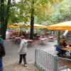 Teil vom Biergarten, im Regen