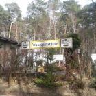 Foto zu Waldgaststätte mit Kegelbahn: Eingang Waldgaststätte