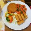 """Hähnchenschnitzel """"Cordon Blue""""-gefüllt mit Schinken und Käse, dazu Gemüse und Kroketten für 8,90 €"""