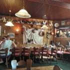 Foto zu Gockelburg: Seltener Anblick: im Gastraum ist gerade wenig los