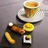Espresso mit Petite fours