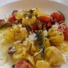 Foto zu Café-Restaurant ANNO 1900: Ricotta-Fagotti mit gebratenen Pfifferlingen