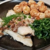 Forellenfilet, Mandelkroketten, frische Pfifferlinge, frittierter Rucola