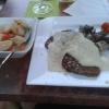Tafelspitz vom Rind in Meerrettichsoße, dazu Bohnen im Speckmantel und Bouillonkartoffeln