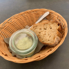 Hausgebackenes Brot / Bärlauchcrème