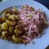 Wurstsalat Schweizer Art mit Bratkartoffeln