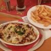 Überbackenes Gyros mit Pommes (und Salat) für 9,50 Euro