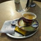 Foto zu Eiscafe Cristallo: Tasse Kaffee mit Keks 1,60€