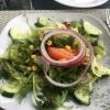 Beilagensalat mit Essig und Öl