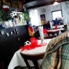 Foto zu La Pineta Gaststätte: Innenraum mit Theke