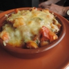 Mit Manchego-Käse überbackene Gemüsepfanne