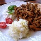 Foto zu Kneipchen Pilsstube: Gyros mit Krautsalat und Pitabrot