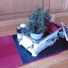 Foto zu Buschle's Bahnhof: ausgefallene Tischdeko