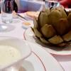 Bretonische Artischocke mit Moutarde-de-Meaux-Sauce