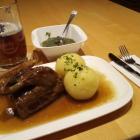 Foto zu Zum Preußla: Bauernente mit Kloß und Soß (Sonntag Mittagstisch)