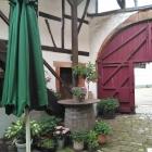 Foto zu Weinstube Zehntkeller: Innenhof-Impression 2
