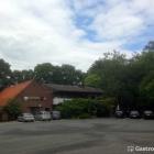 Foto zu Gasthof Schlatsburg: Riesen-Parkplatz