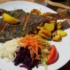 Foto zu Gasthaus Kranichrast: Flunder, Bratkartoffeln, Salat