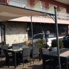 Foto zu Hotel Weinhaus Wiedemann: Sitzplätze im Außenbereich