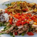 Foto zu Gaststätte Seppi's Futterkiste: Lyoner Wurstsalat mit Paprika und Bratkartoffeln