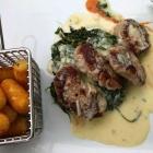 Foto zu Alte Post im Hotel Nordwind: Medaillons vom Schweinefilet mit Gorgonzolasauce , Blattspinat, Kroketten