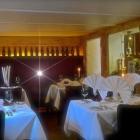 Foto zu Ristorante Pizzeria Costa Smeralda: Die Tische wunderschön eingedeckt