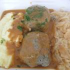 Foto zu Gaststätte Zur Linde Bischmisheim: Lewwerknepp mit Sauerkraut und Kartoffelpü