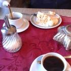 Foto zu Café im Hotel Papenhof: 1 Tasse, 1 Kännchen Kaffee, 1 Torte = 6,90€