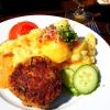 Frikadelle vom Schwein und Rind mit Kartoffelsalat