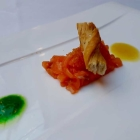 Foto zu Ambiente im Landhotel de Weimar: Amuse: Lachstatar mit zweierlei Senf und Maränenkaviar