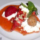 Foto zu Augustenstüble: Erdbeer-Nougat-Tarte, Rabarberkompott und Sauerkirsch Sorbet