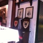 Foto zu Ritterstube im Hotel Schaumburger Ritter: Stühle für die Ritter