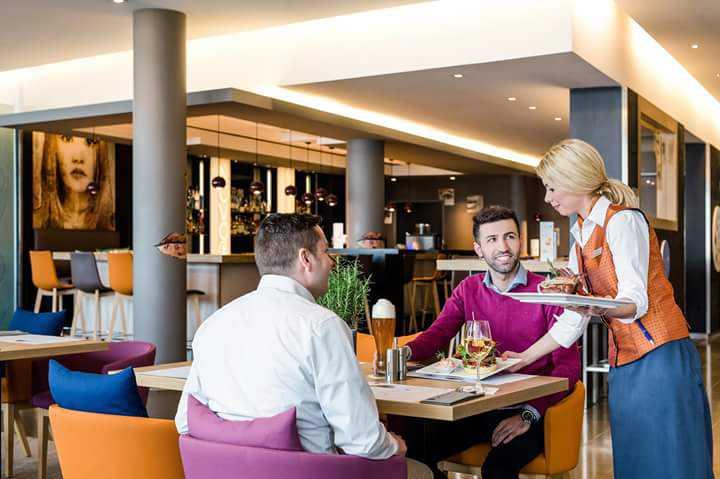 novo lounge bar eatery im novotel m nchen messe. Black Bedroom Furniture Sets. Home Design Ideas